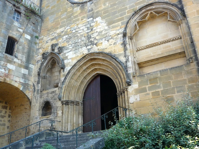 Portal of Saint-Cyprien Church © French Moments