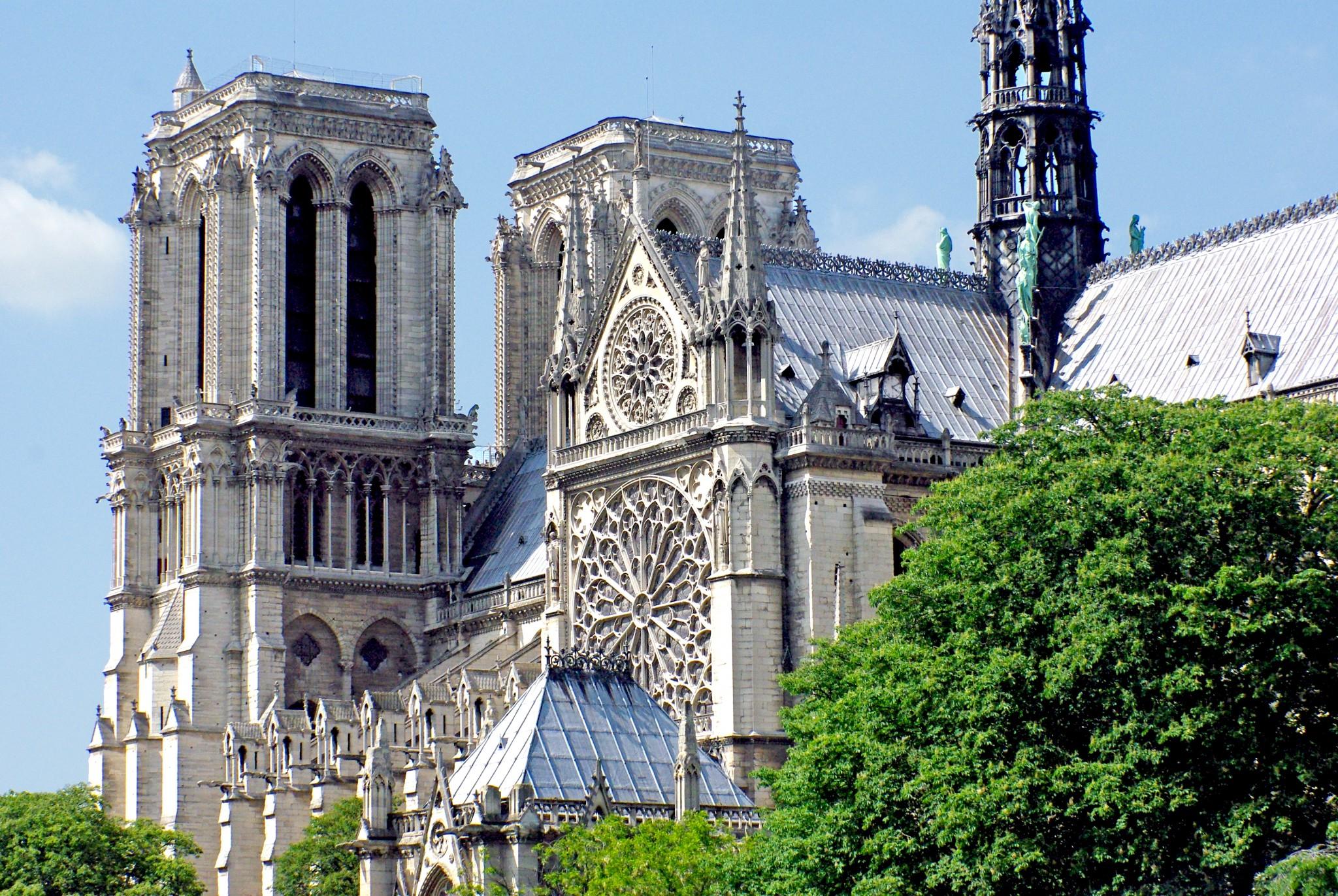 10 most famous architecture buildings. Perfect Buildings Most Famous Monuments Of Paris On 10 Most Famous Architecture Buildings
