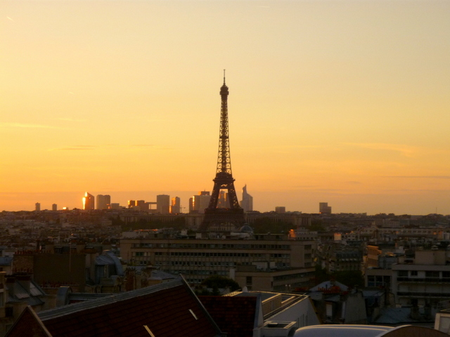 Eiffel Tower at sunset 04 © French Moments