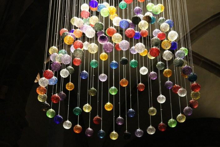 Le lustre de boules de Meisenthal 1 ©SHKT