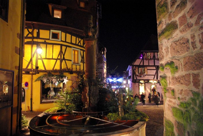 Most Beautiful Christmas Markets: Riquewihr © French Moments