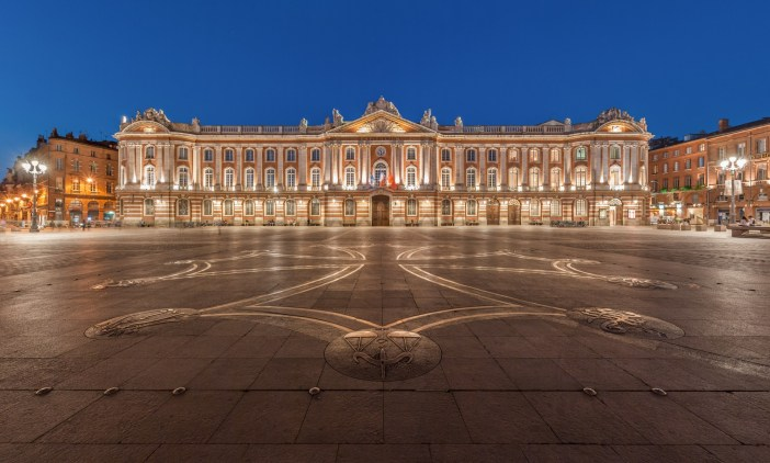 Toulouse Capitole © Benh LIEU SONG - licence [CC BY-SA 3.0] from Wikimedia Commons