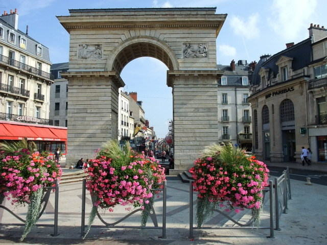 Porte Guillaume Dijon © Nikater - licence [CC BY-SA 3.0] from Wikimedia Commons