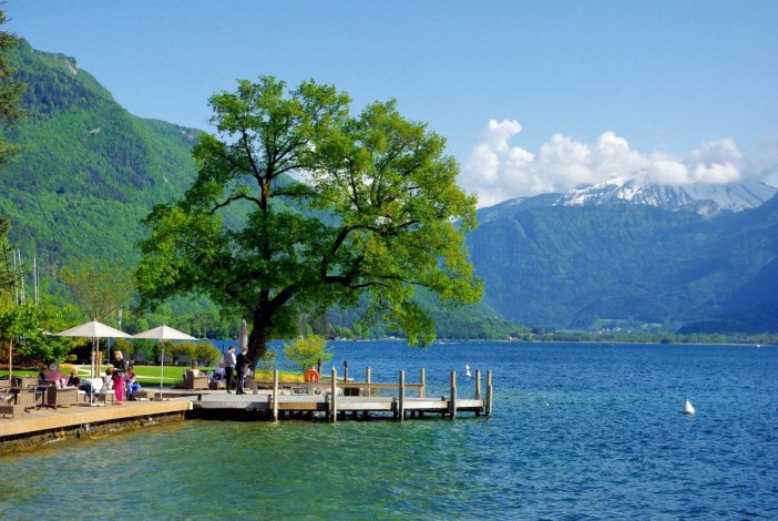 Lake Annecy from Talloires © French Moments