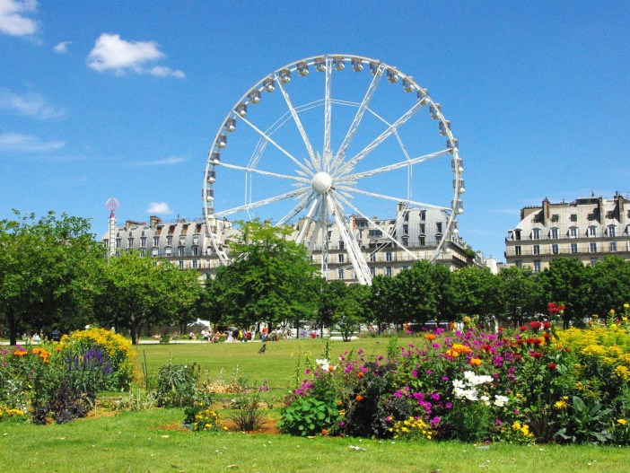 Funfair at the Tuileries © French Moments