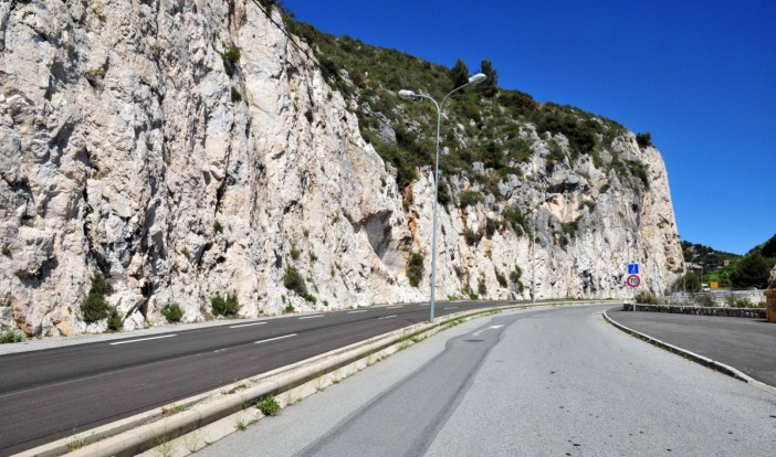 The Middle Corniche Road - Stock Photos from Pack-Shot - Shutterstock