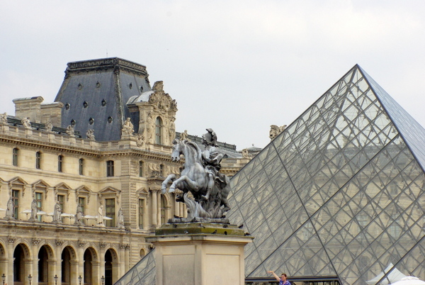 The Louvre © French Moments