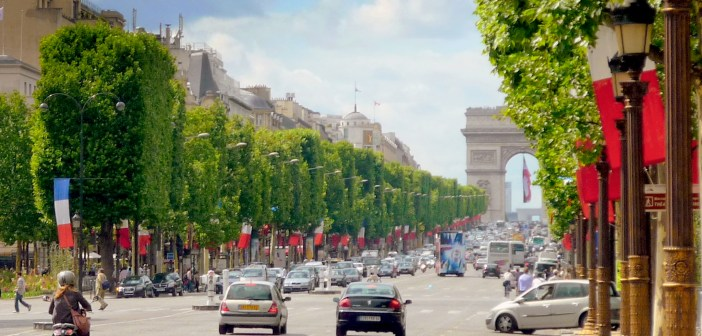 Champs Elysees Paris © French Moments
