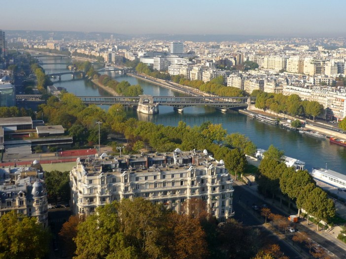 Pont de Bir Hakeim viewed from the 2nd platform of the Eiffel Tower © French Moments