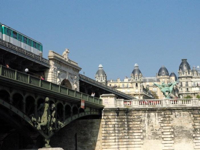Pont de Bir-Hakeim © French Moments