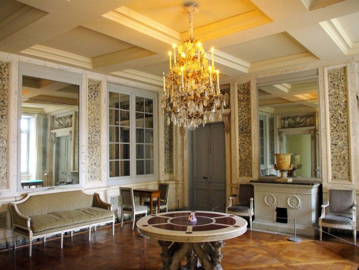 Chateau Maisons Laffitte Interior 10 copyright French Moments