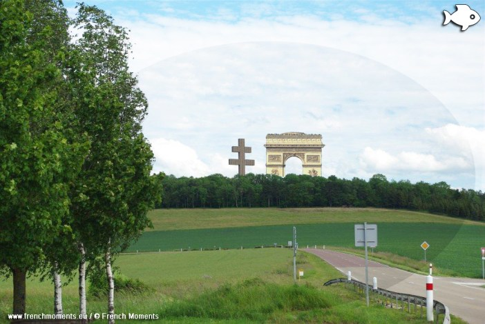The Arc de Triomphe in Colombey © French Moments