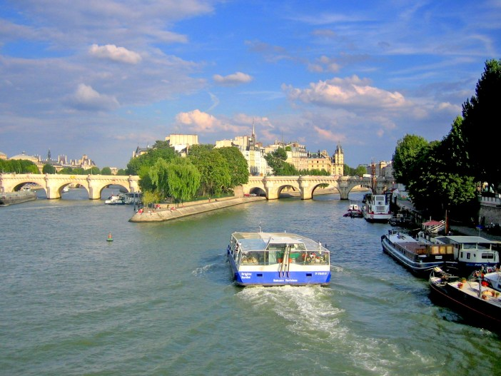 Along the Seine River in Paris © French Moments