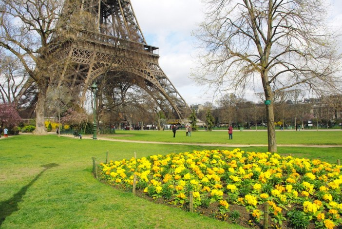 Spring at the Eiffel Tower 8 copyright French Moments