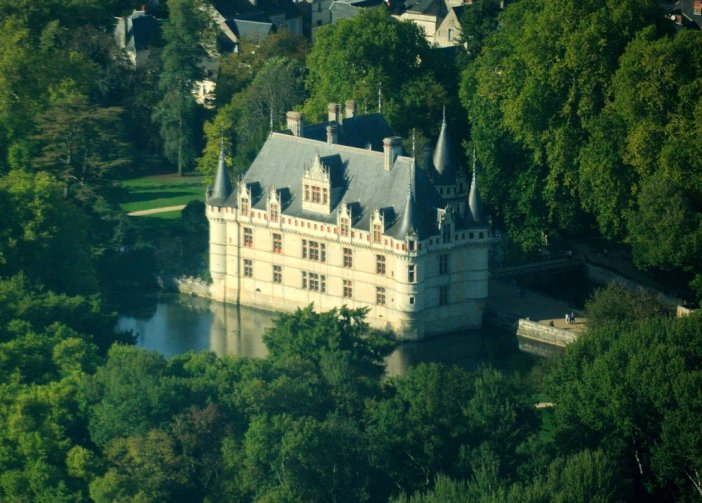 Azay-Le-Rideau © Lieven Smits - licence [CC BY-SA 3.0] from Wikimedia Commons