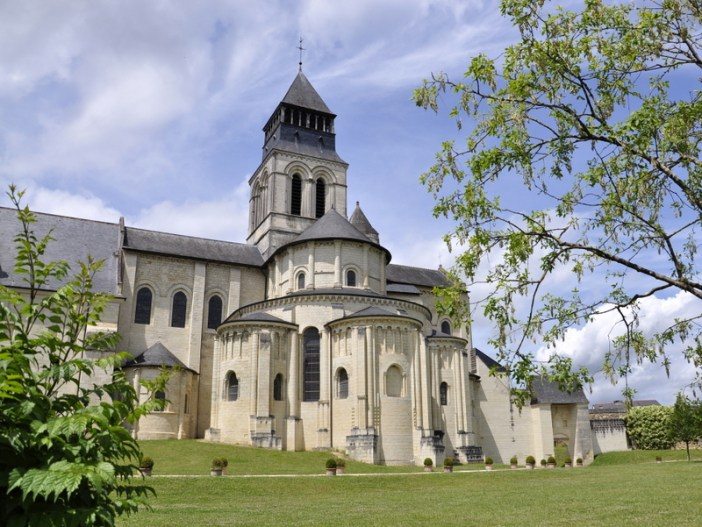 Fontevraud Abbey © Chatmouettes - licence [CC BY-SA 3.0] from Wikimedia Commons