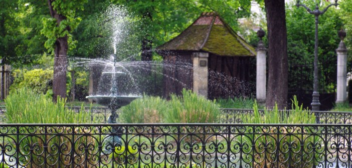 May in Maisons-Laffitte © French Moments