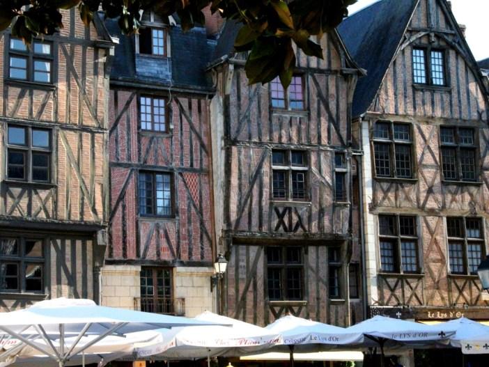 Place Plumereau Tours © Thierry de Villepin - licence [CC BY-SA 3