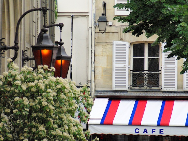 Café in Saint-Germain © French Moments