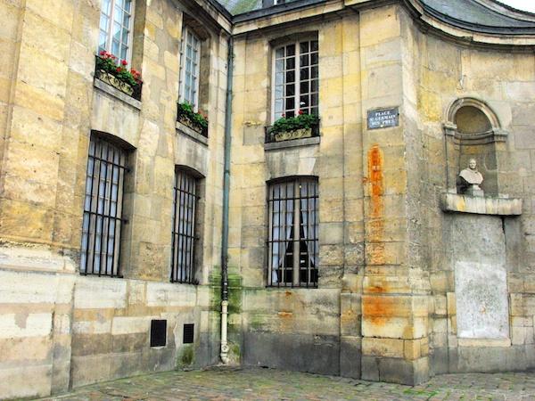 Saint-Germain-des-Pres 8 copyright French Moments