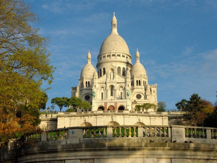 Square Louise Michel, Montmartre © French Moments