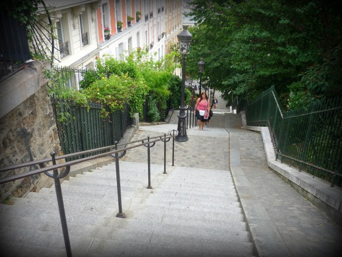 Stairs of rue Utrillo in Montmartre 01 © French Moments