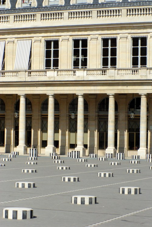 The Buren work of art © French Moments