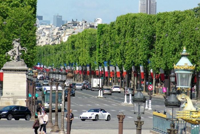 Champs-Élysées Bastille Day © French Moments