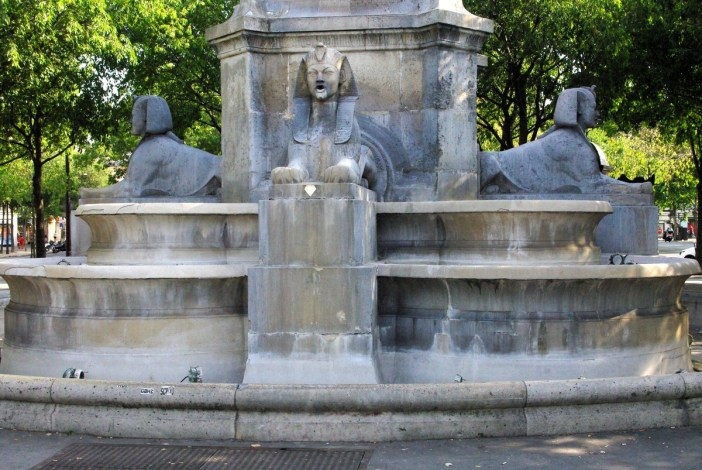 Fontaine du Palmier Chatelet © French Moments