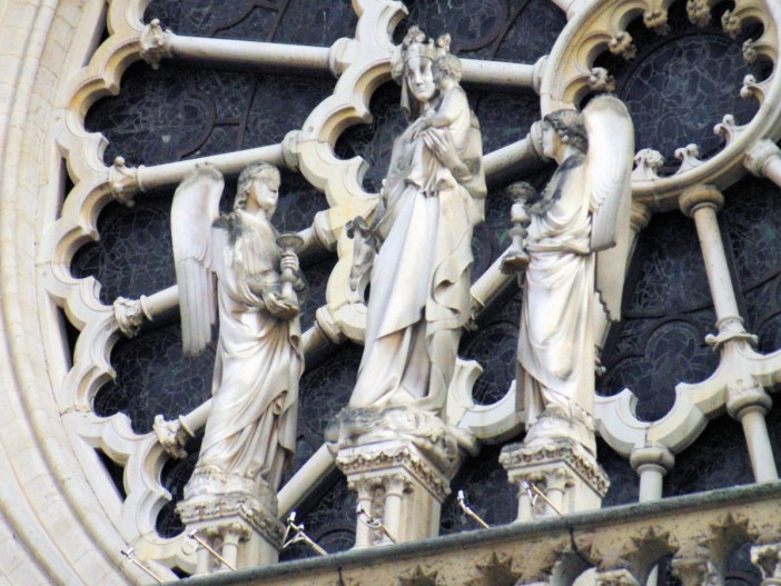 Virgin with Child, West Façade of Notre-Dame © French Moments