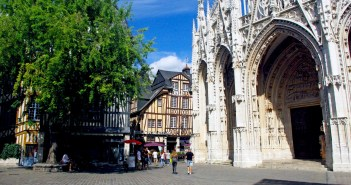 Place Barthelemy in Rouen copyright French Moments