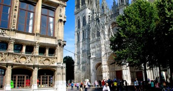 Place de la Cathedrale in Rouen copyright French Moments
