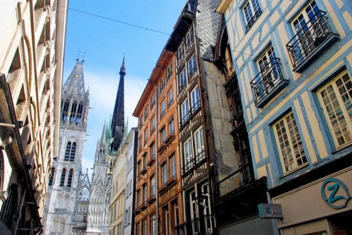 Rue du Gros-Horloge, Rouen © French Moments