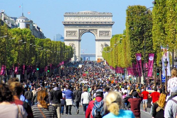 Champs-Élysées, Paris © French Moments