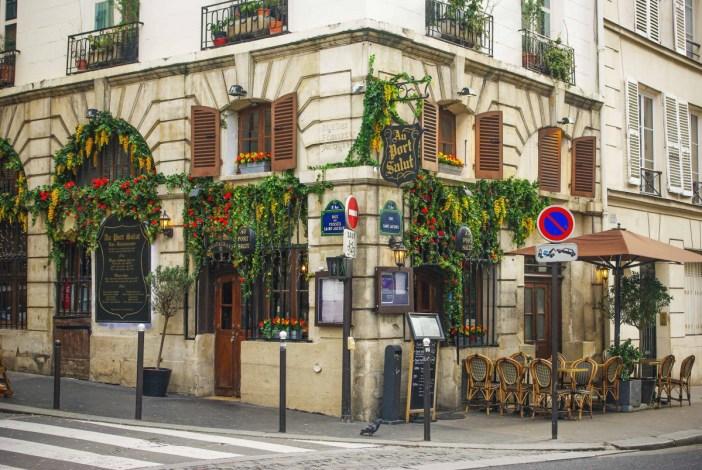 Corner rue Saint-Jacques and rue des Fossés Saint-Jacques © French Moments