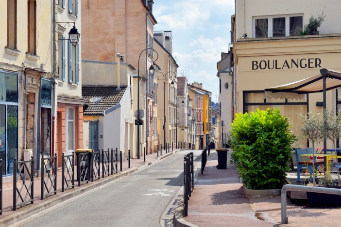 Rue Wauthier in Saint-Germain-en-Laye © French Moments
