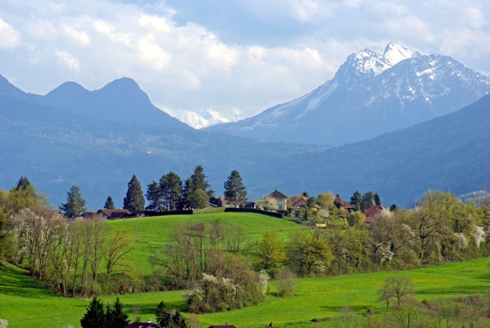 Alps of Annecy © French Moments
