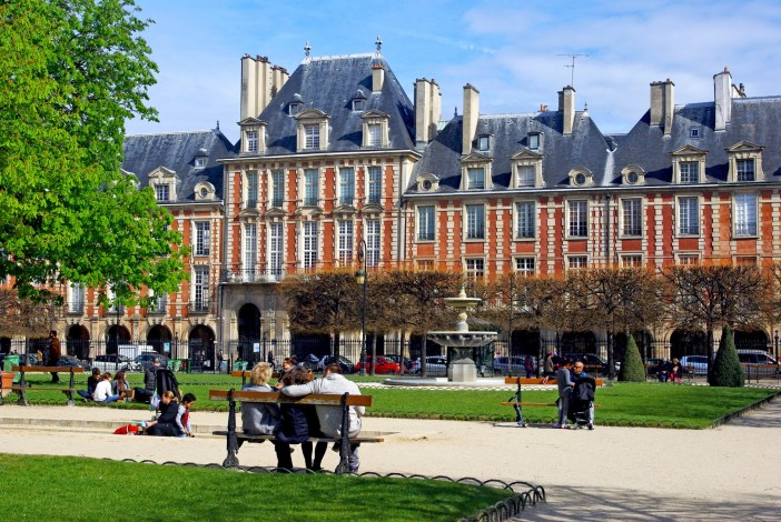 The Paris Challenge: Place des Vosges, Paris © French Moments