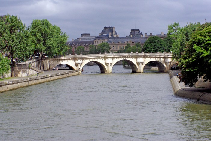 River Seine and Pont-Neuf in the Spring © French Moments