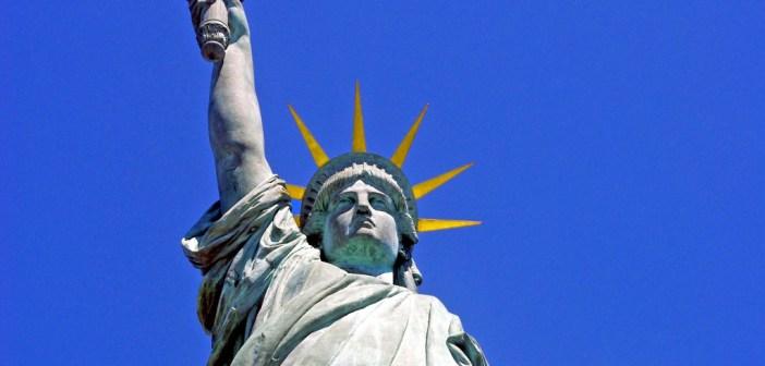 Statue of Liberty Ile aux Cygnes Paris 03 © French Moments