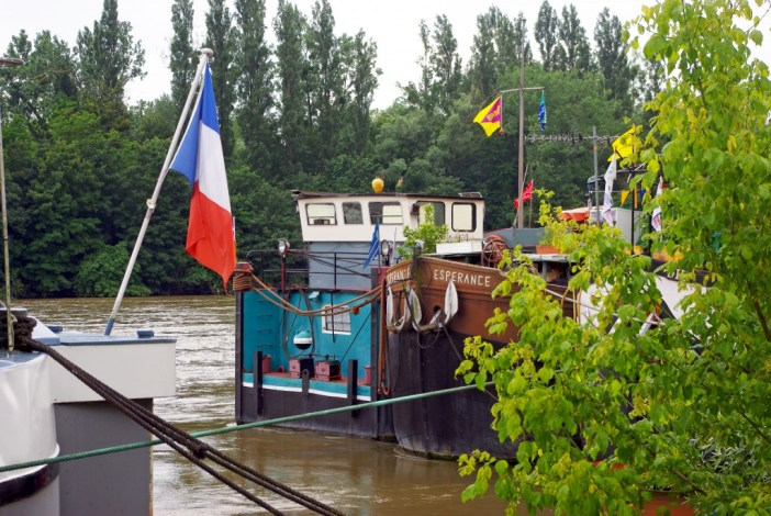 Port Saint-Nicolas, Conflans-Sainte-Honorine © French Moments