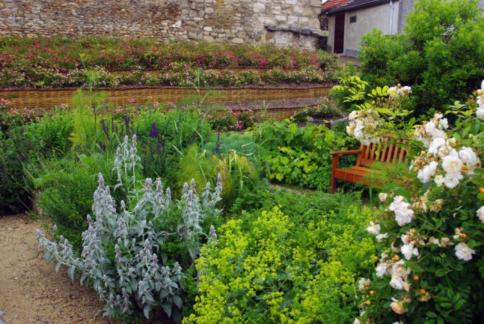 Medieval garden by the Tour Montjoie, Conflans-Sainte-Honorine © French Moments