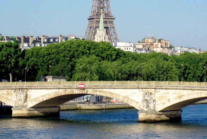 Pont des Invalides Paris © French Moments