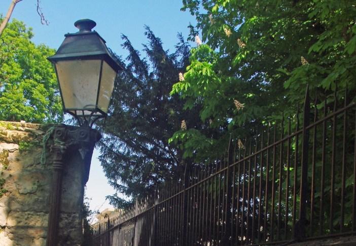 Lamp post in Rue Berton, Paris © French Moments