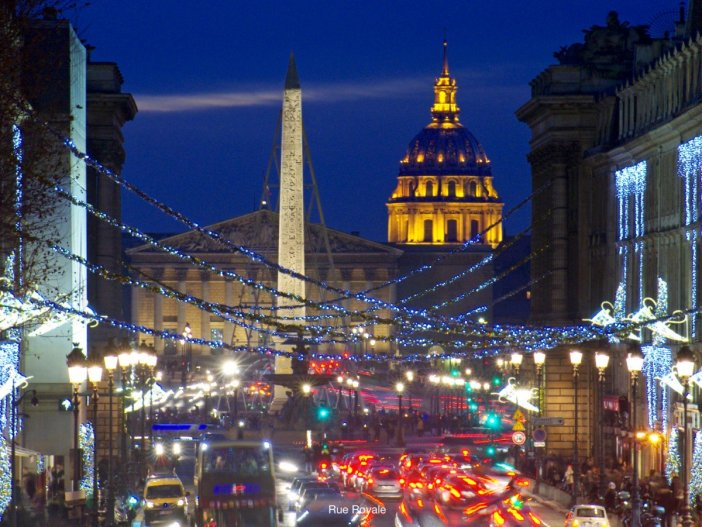 Paris Christmas Lights Walking Tour