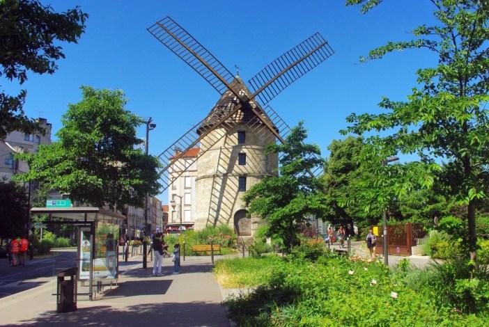 Ivry Windmill moulin