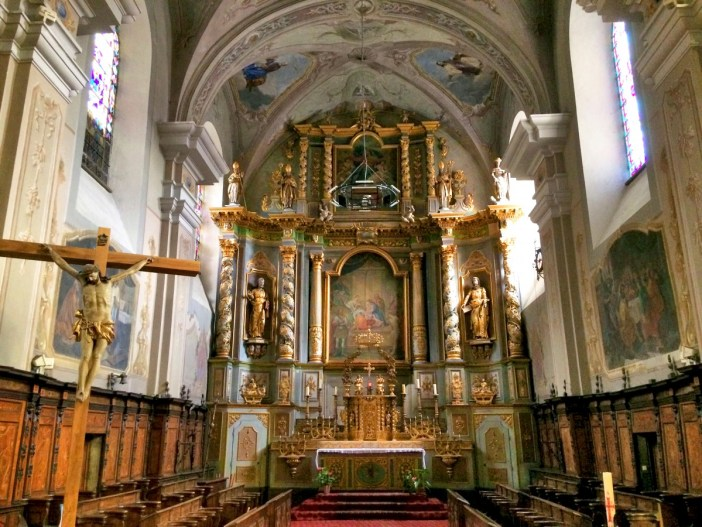 Altarpiece of the parish church of Aime © French Moments