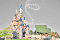 Disneyland Paris © Saturne - licence [CC BY-SA 2.0] from Wikimedia Commons
