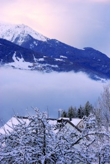 Sea of clouds above the Tarentaise Valley © French Moments