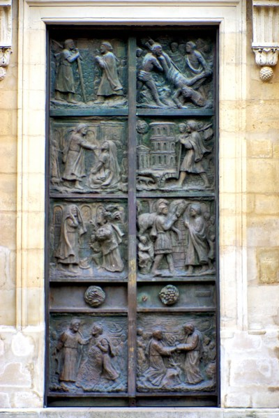Paris' most beautiful doors © French Moments